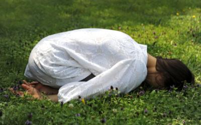 Restorative Yoga – Relax, Restore, Renew